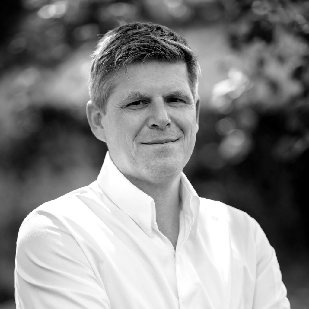 Karl-Rainer Peters . HALLERHOF RESTAURANT & BIERGARTEN